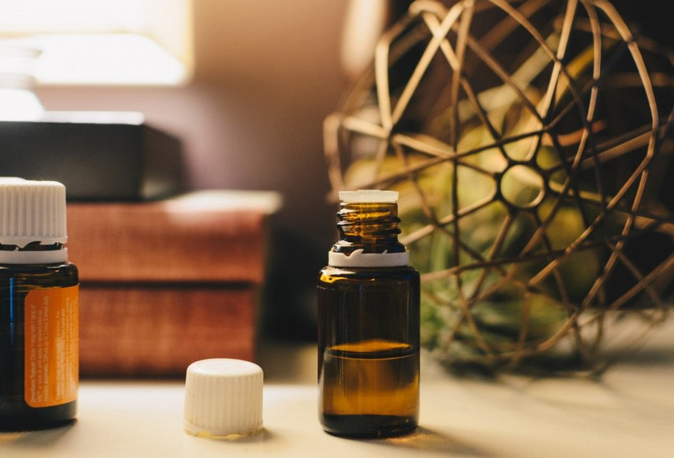 Essential oils used in dentistry