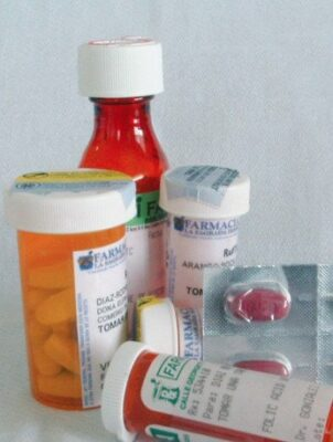 Medications cause dry mouth symptoms